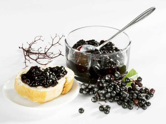 Замороженная брусника: топ 3 рецепта приготовления на зиму в домашних условиях