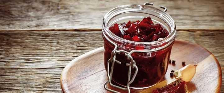 10 очень вкусных салатов из свеклы на зиму