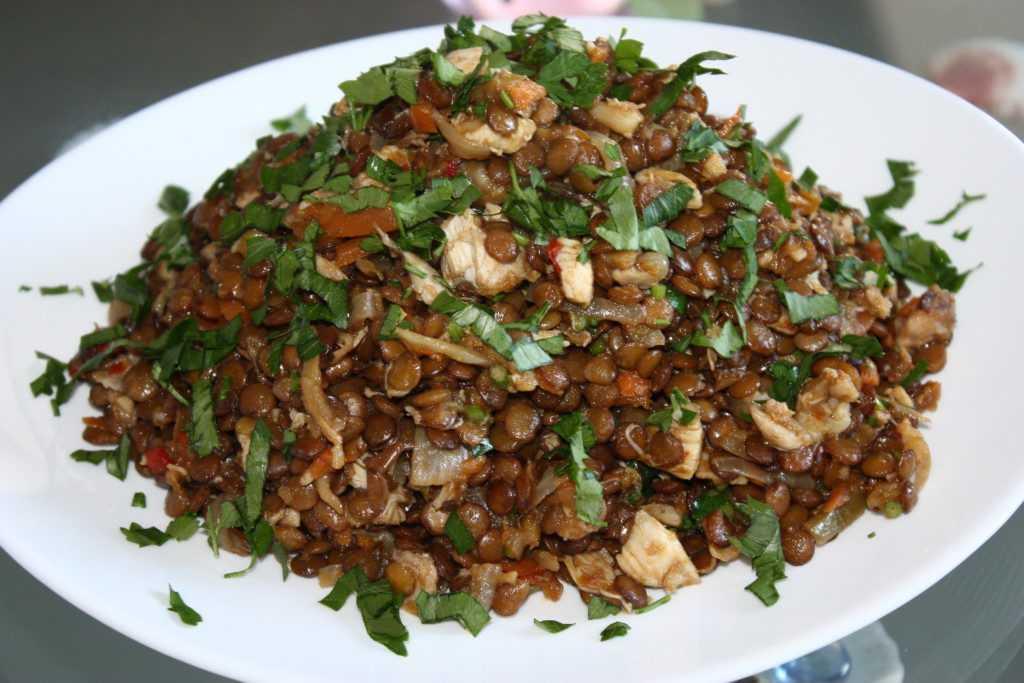 Как вкусно можно приготовить чечевицу? лучшие рецепты салатов и вторых блюд из зеленой, желтой, красной и коричневой чечевицы. как приготовить вкусные вторые блюда из чечевицы в мультиварке?