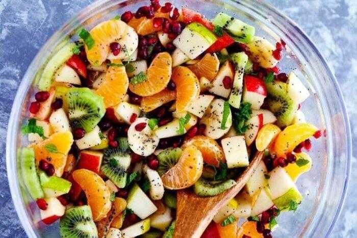 Фруктовый салат с яблоком, бананами, киви и апельсином - рецепт