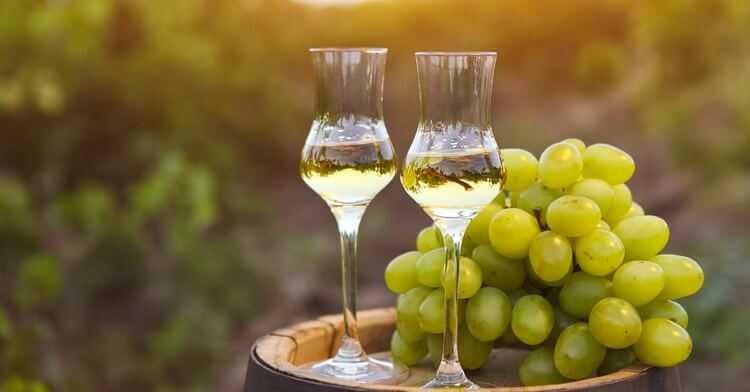 Как сделать чачу из жмыха винограда? технология изготовления, разлив и хранение