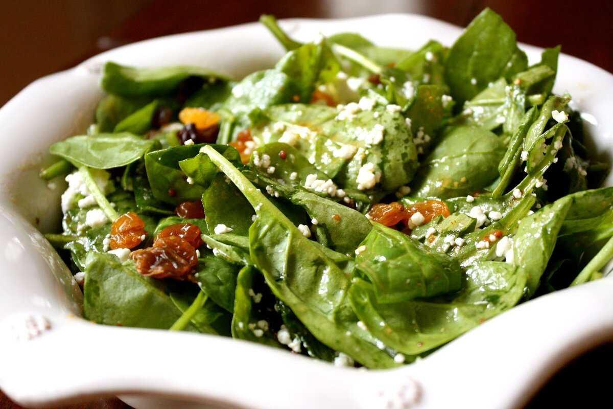 Салат со шпинатом – стройность и здоровье: рецепт с фото и видео