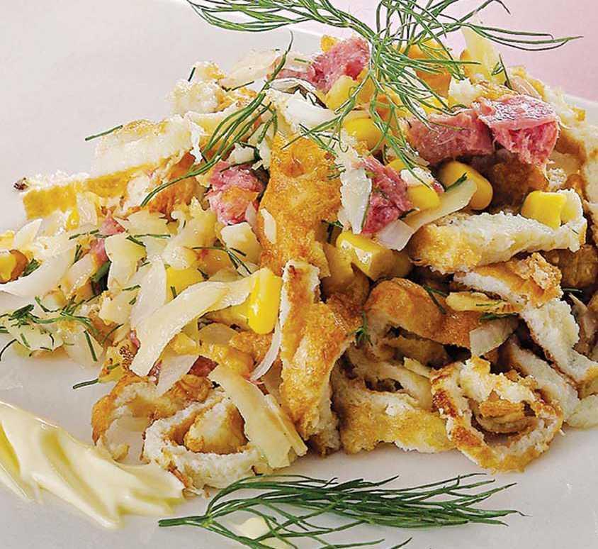 Салат с курицей и с блинами: рецепт с фото пошагово