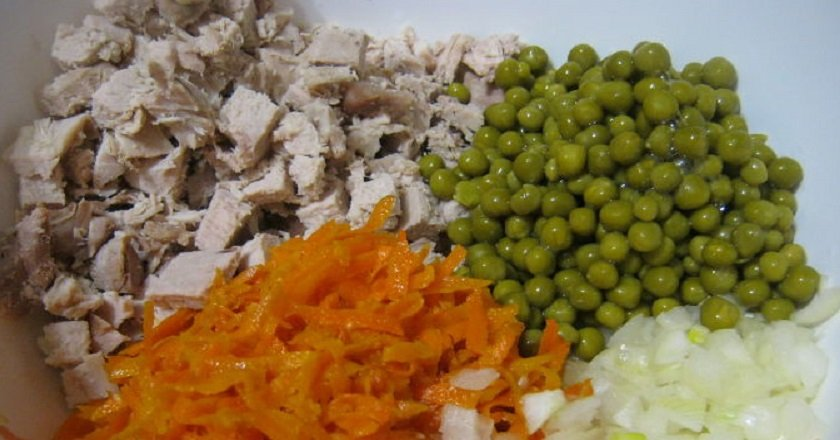 Салат «купеческий» с курицей и грибами: рецепт с фото