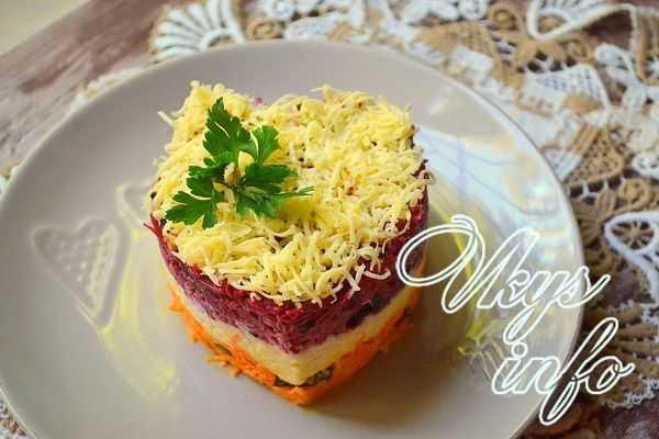Восхитительный салат «любовница»: оригинальное блюдо с изюминкой