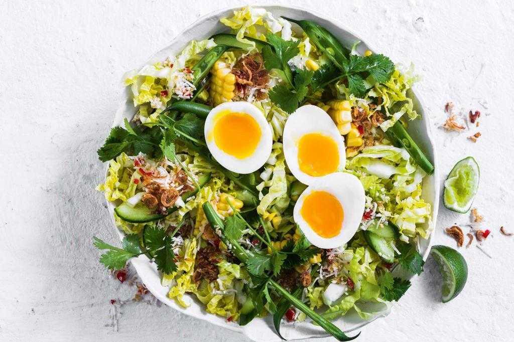 Салат из зеленой фасоли с яйцом рецепт - 1000.menu
