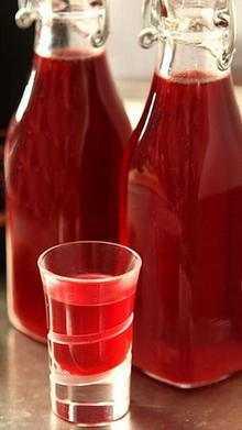 Домашняя наливка из клюквы – 4 простых рецепта на водке и спирту
