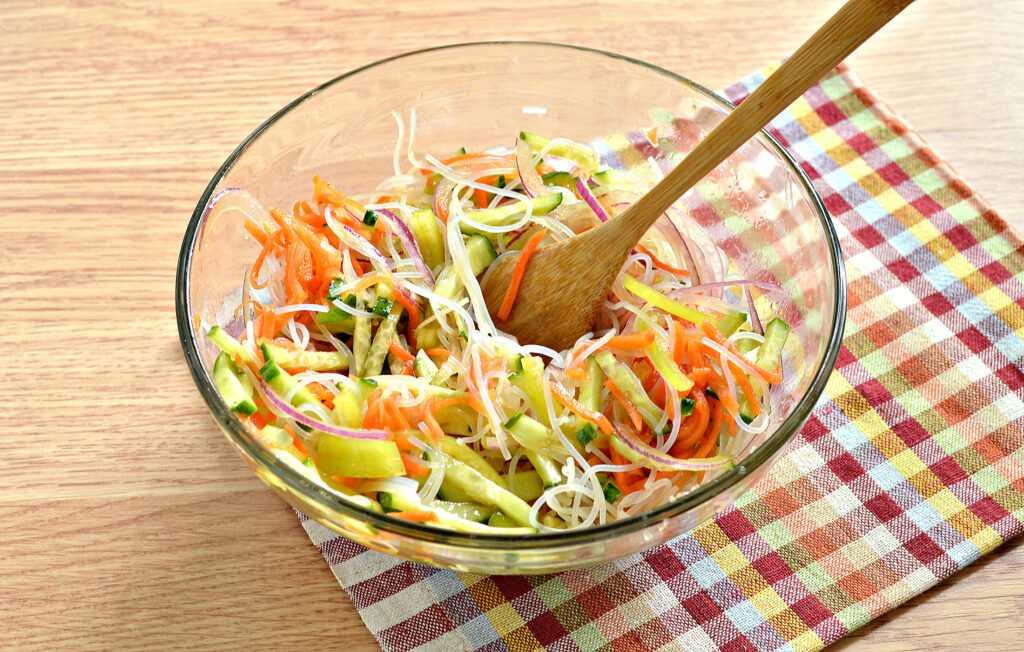 Салат с морковью и кукурузой - 10 пошаговых подробных рецептов