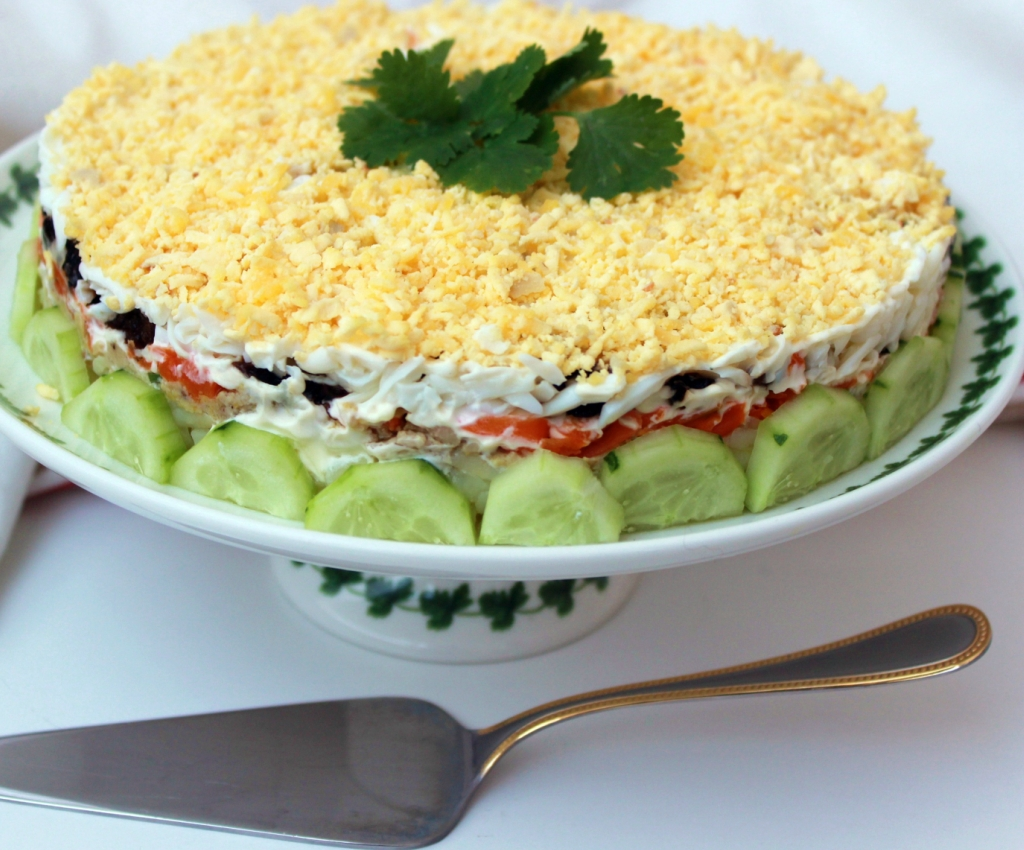 Готовь классический салат печень трески с огурцами и яйцами: поиск по ингредиентам, советы, отзывы, пошаговые фото, подсчет калорий, удобная печать, изменение порций, похожие рецепты