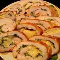 Мясные рулетики — рецепты начинок с сыром, грибами, черносливом - советдня