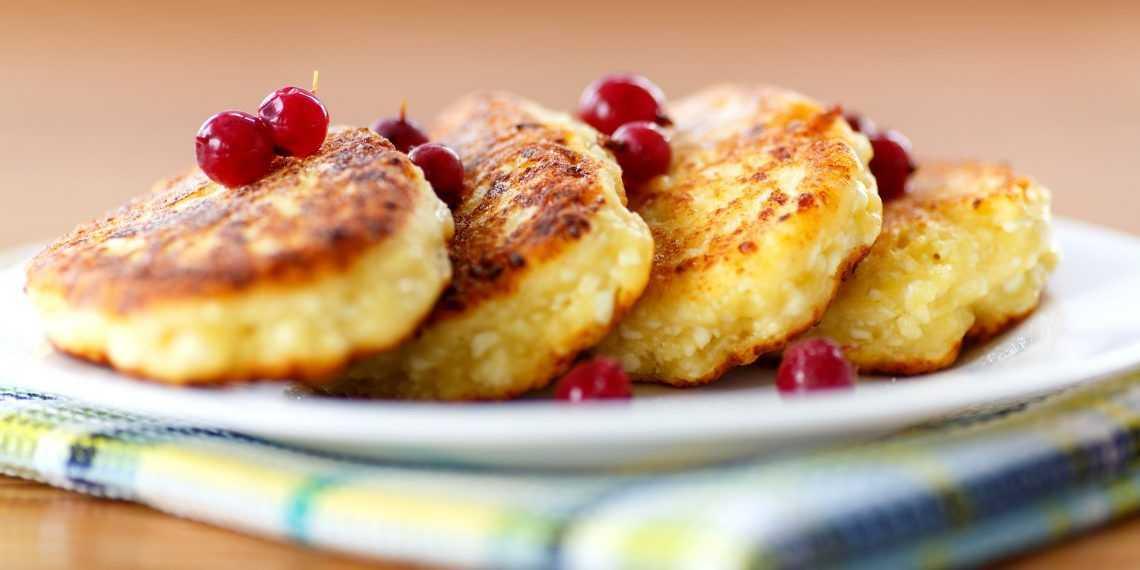 Паста с томатами и базиликом — простое блюдо для хорошего завтрака
