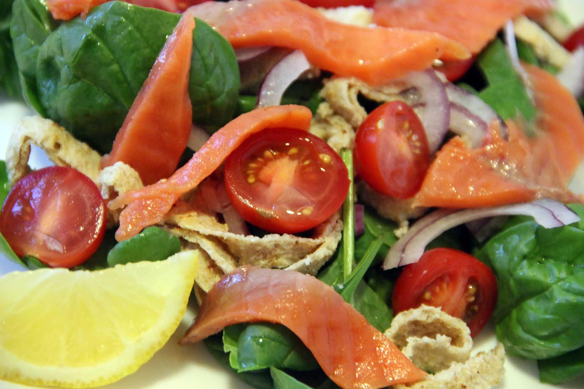 Салат с лососем - подборка лучших рецептов. как правильно и вкусно приготовить салат с лососем. - автор екатерина данилова - журнал женское мнение