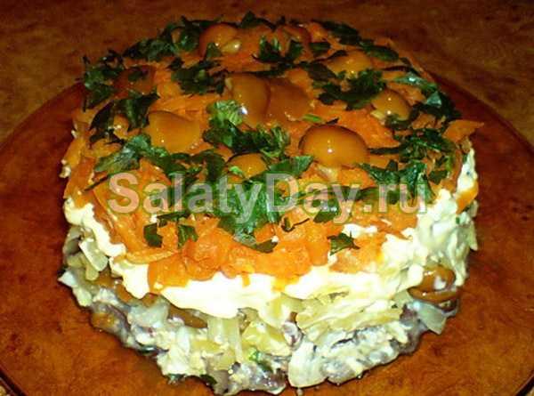 Салат сугроб — 8 пошаговых рецептов на праздничный стол