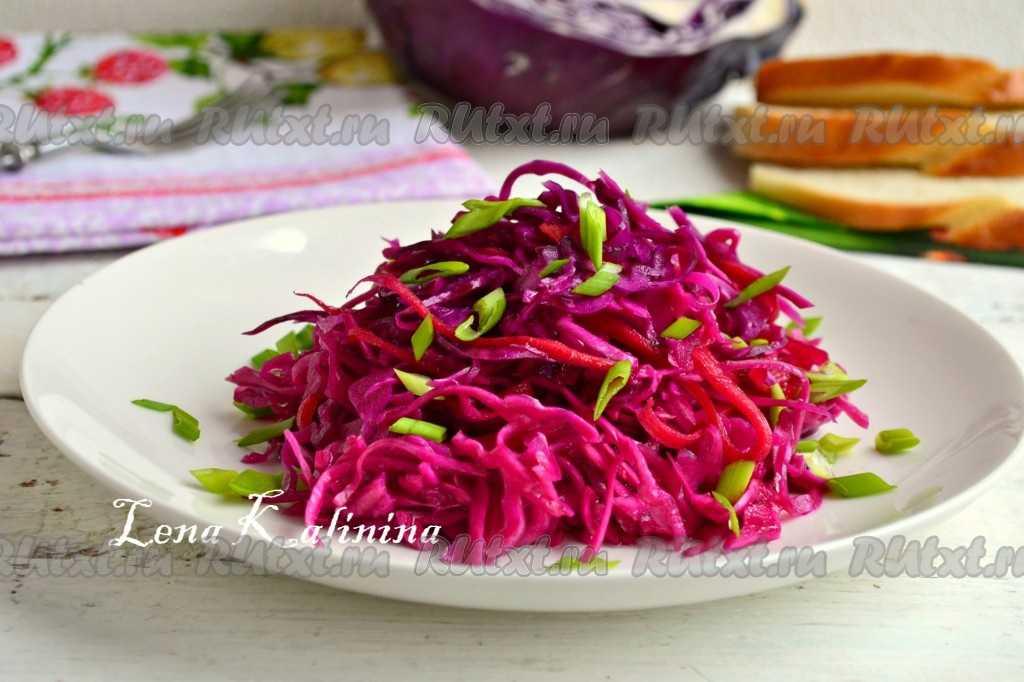 Быстрая маринованная капуста - нежная и сочная, хрустящая и острая: рецепт с фото и видео