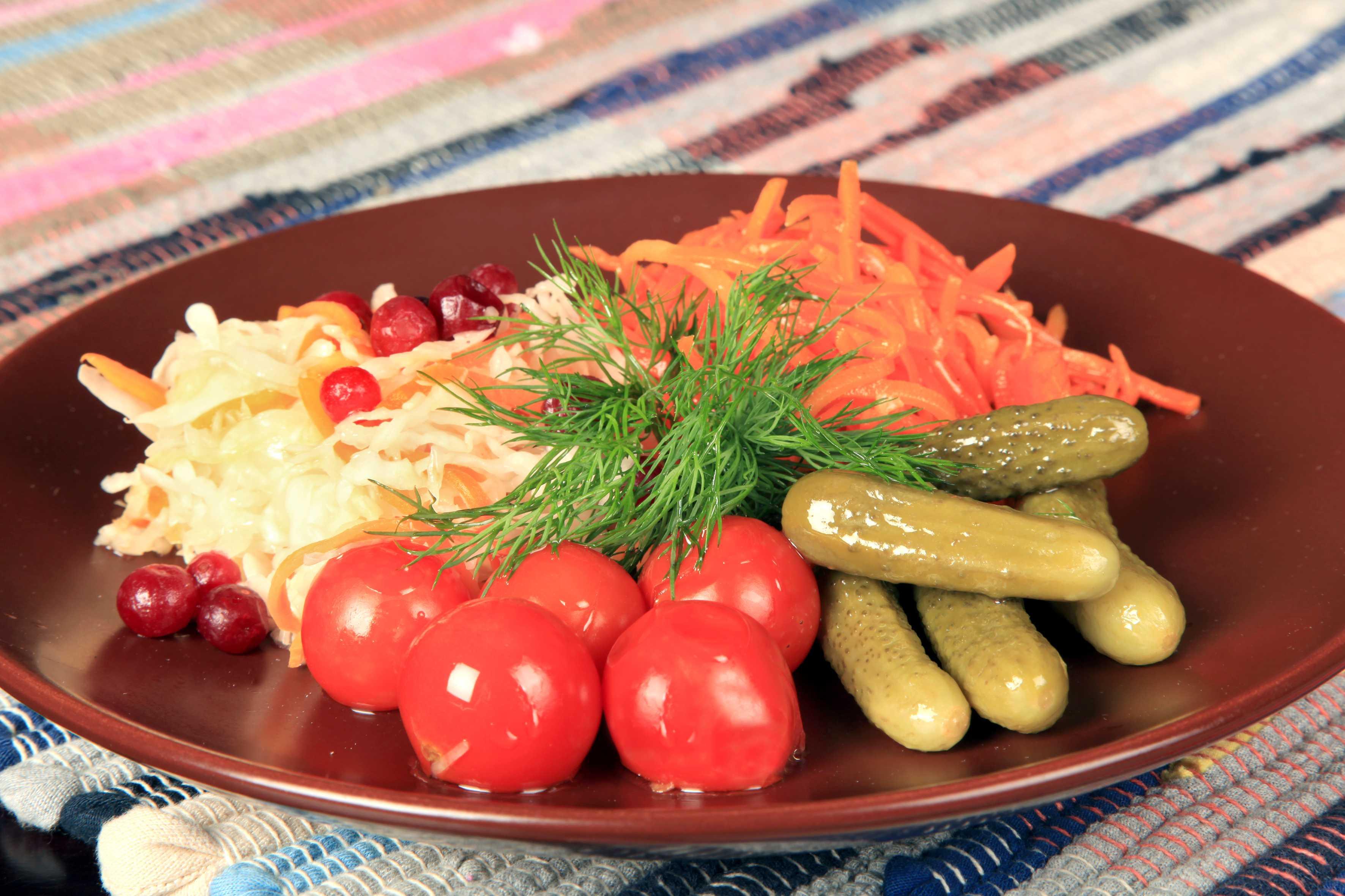 Салат ирина с копчёной курицей и не только. пошаговые рецепты с фото