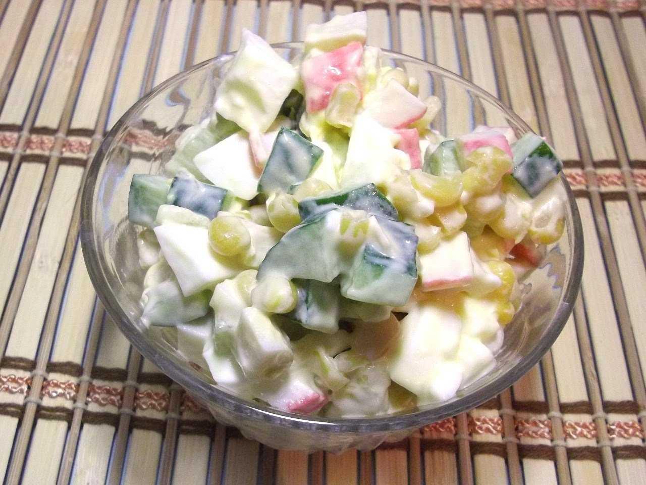 Как приготовить крабовый салат классический без огурца: поиск по ингредиентам, советы, отзывы, подсчет калорий, изменение порций, похожие рецепты