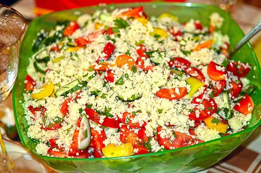 Теплый салат с куриной грудкой – лакомство для гурманов: рецепт с фото и видео