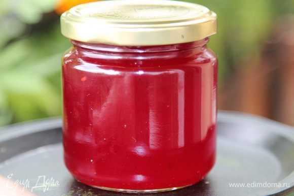 Как приготовить желе из красной смородины на зиму: простой рецепт без варки. Как и сколько хранить заготовки. В чем польза от употребления смородинового желе. Отзывы о готовом продукте.