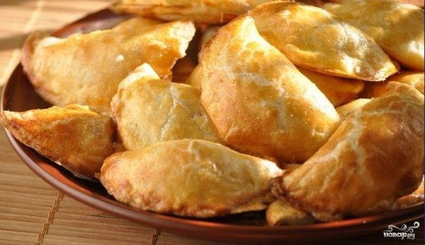 Пирожки из слоеного теста - 15 простых и вкусных рецептов на каждый день