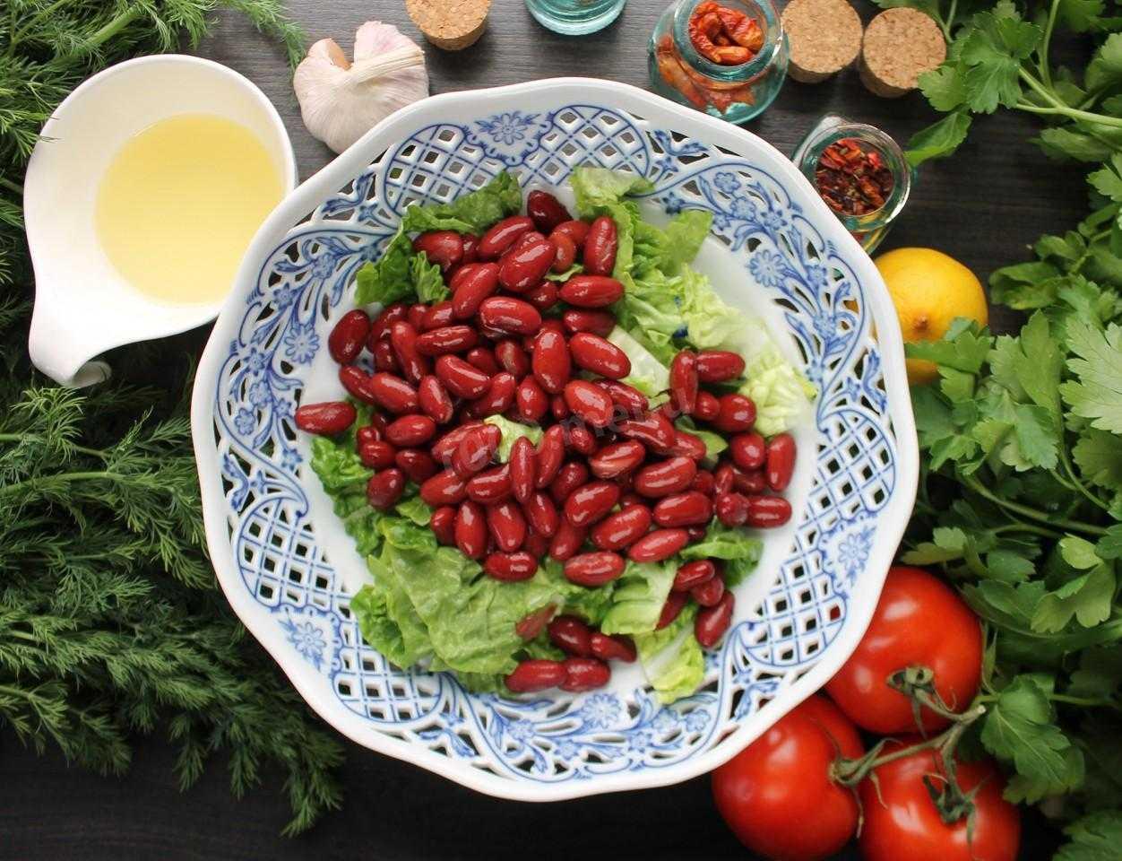 Салат с фасолью и сухариками — 10 пошаговых рецептов приготовления