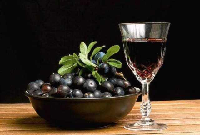 Наливка из черники: 4 рецепта в домашних условиях