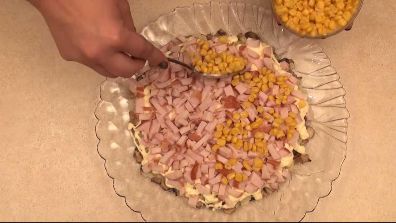 Салаты с чипсами — простые и вкусные пошаговые рецепты