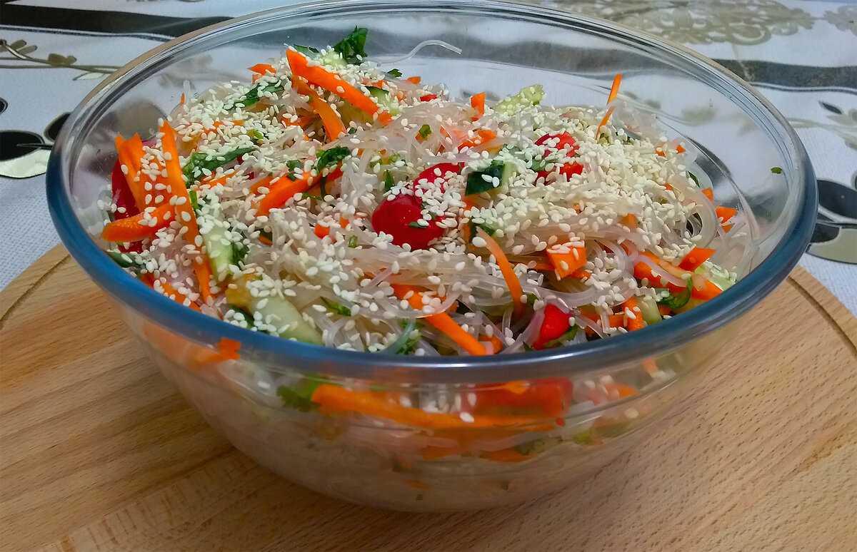 Готовим салат с фунчозой — 8 очень вкусных рецептов в домашних условиях