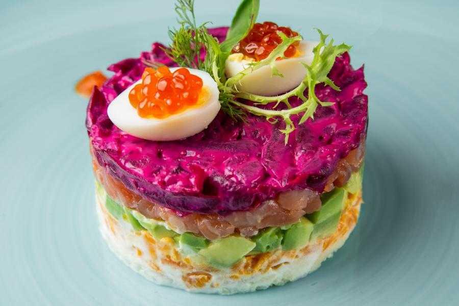 Салат с авокадо и семгой: рецепты с фото пошагово