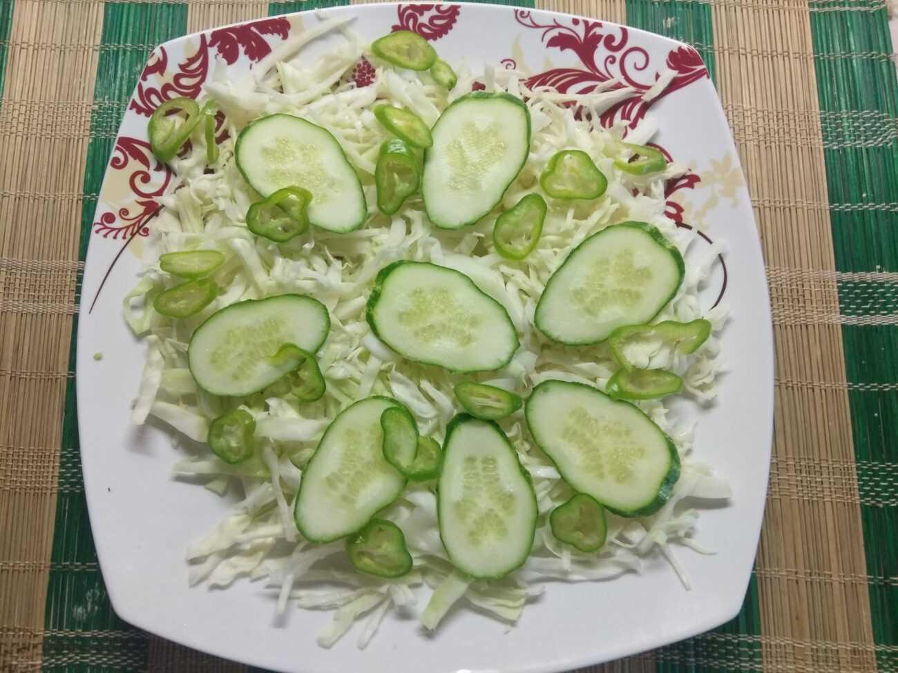 Салат из пекинской капусты с виноградом — пошаговый рецепт с фото