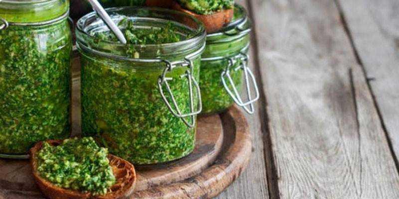 15 пошаговых рецептов приготовления аджики из петрушки на зиму
