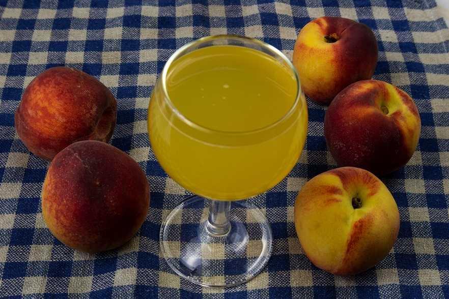 Вино из персиков в домашних условиях – 4 понятных рецепта