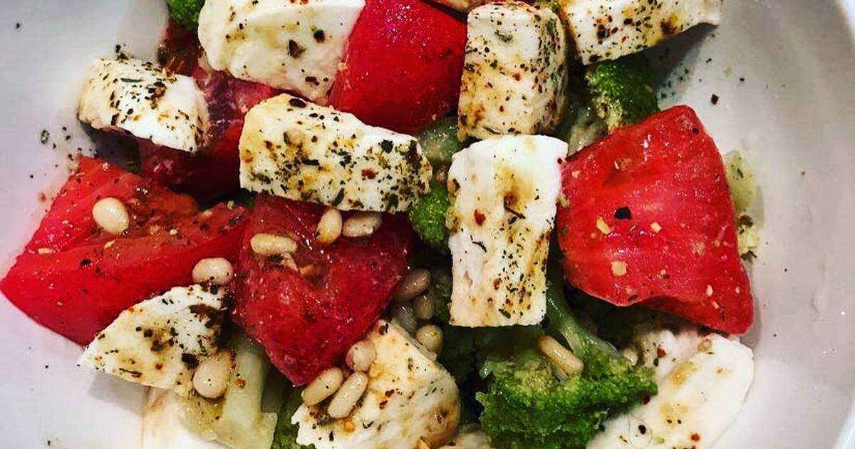Салат с брынзой и помидорами - пошаговый фоторецепт
