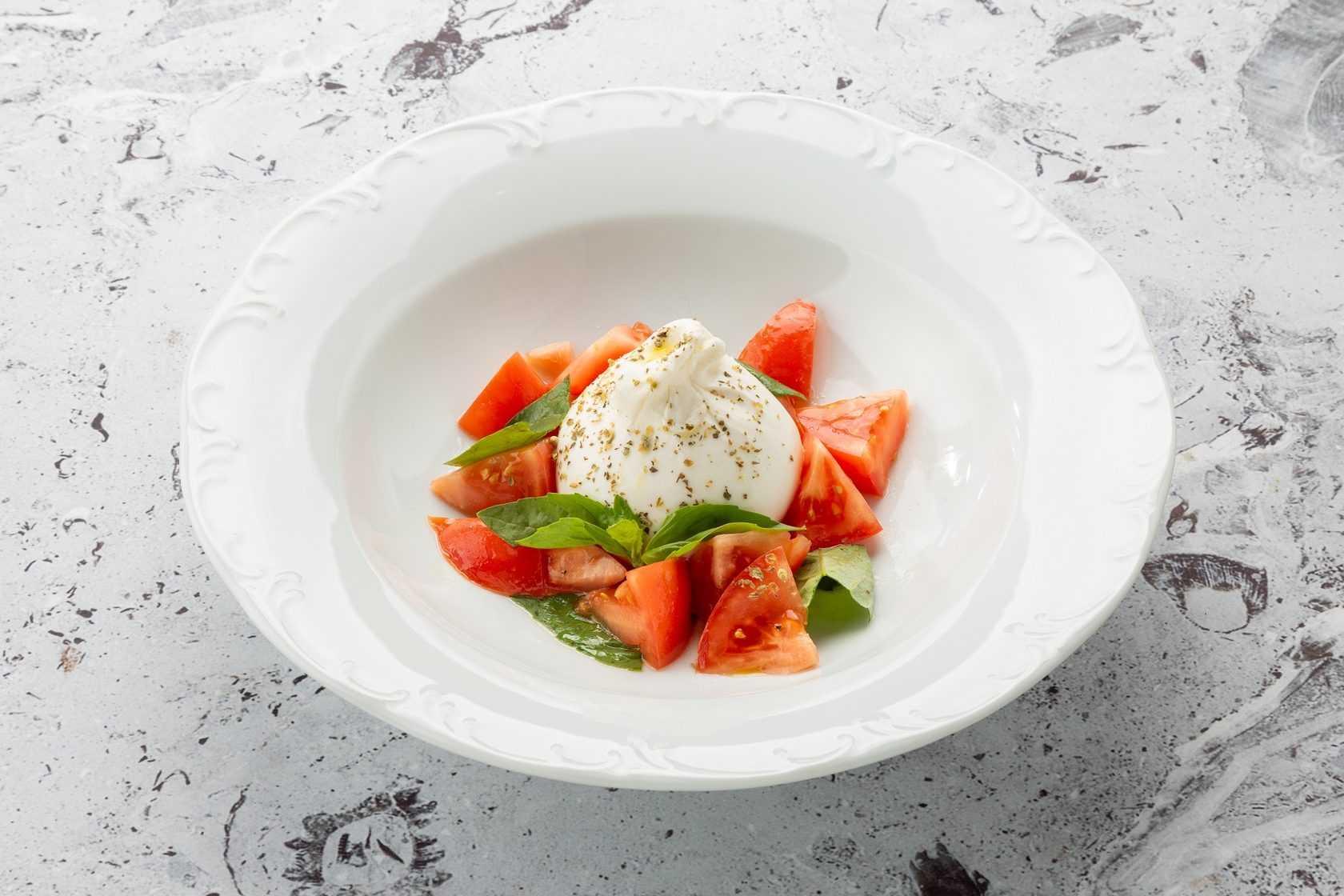 Салат с моцареллой - 10 пошаговых рецептов приготовления с фото