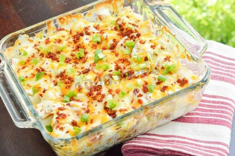 15 рецептов салата с жареной картошкой и другими продуктами