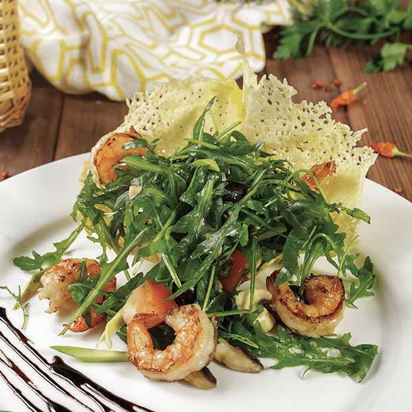 Салат с креветками по-французски