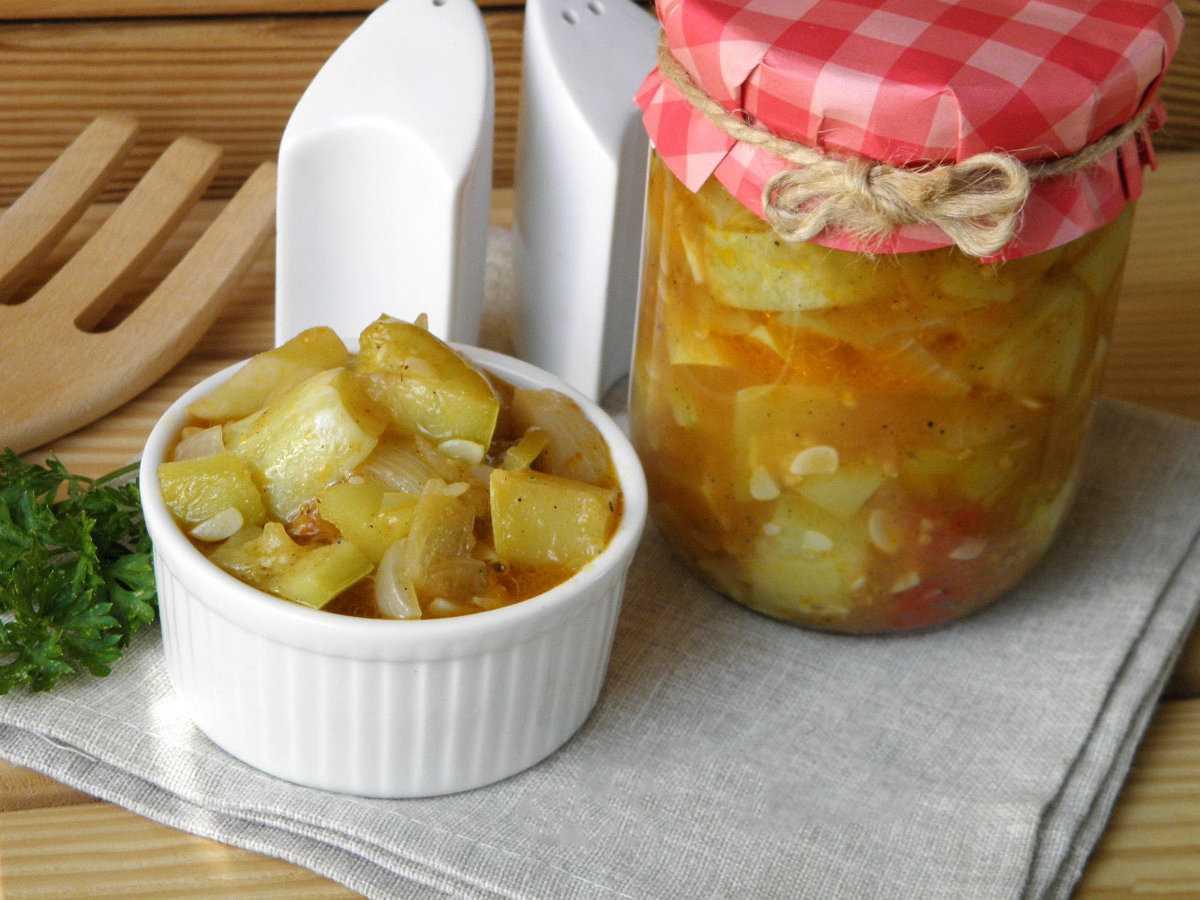 Аджика с яблоками на зиму - 8 лучших рецептов