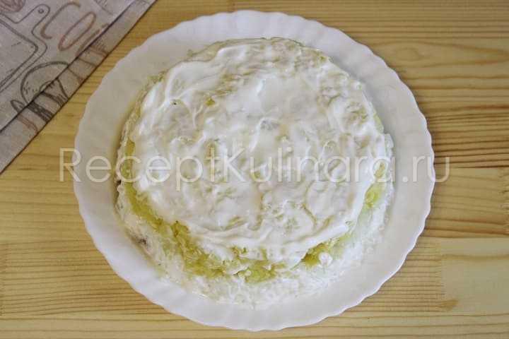 Салат мимоза с консервированной горбушей, классические рецепты