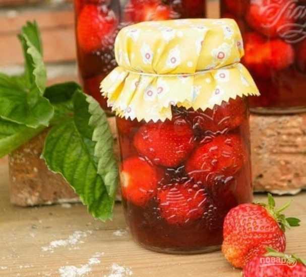 Компот из замороженных ягод - как правильно сварить по пошаговому рецепту