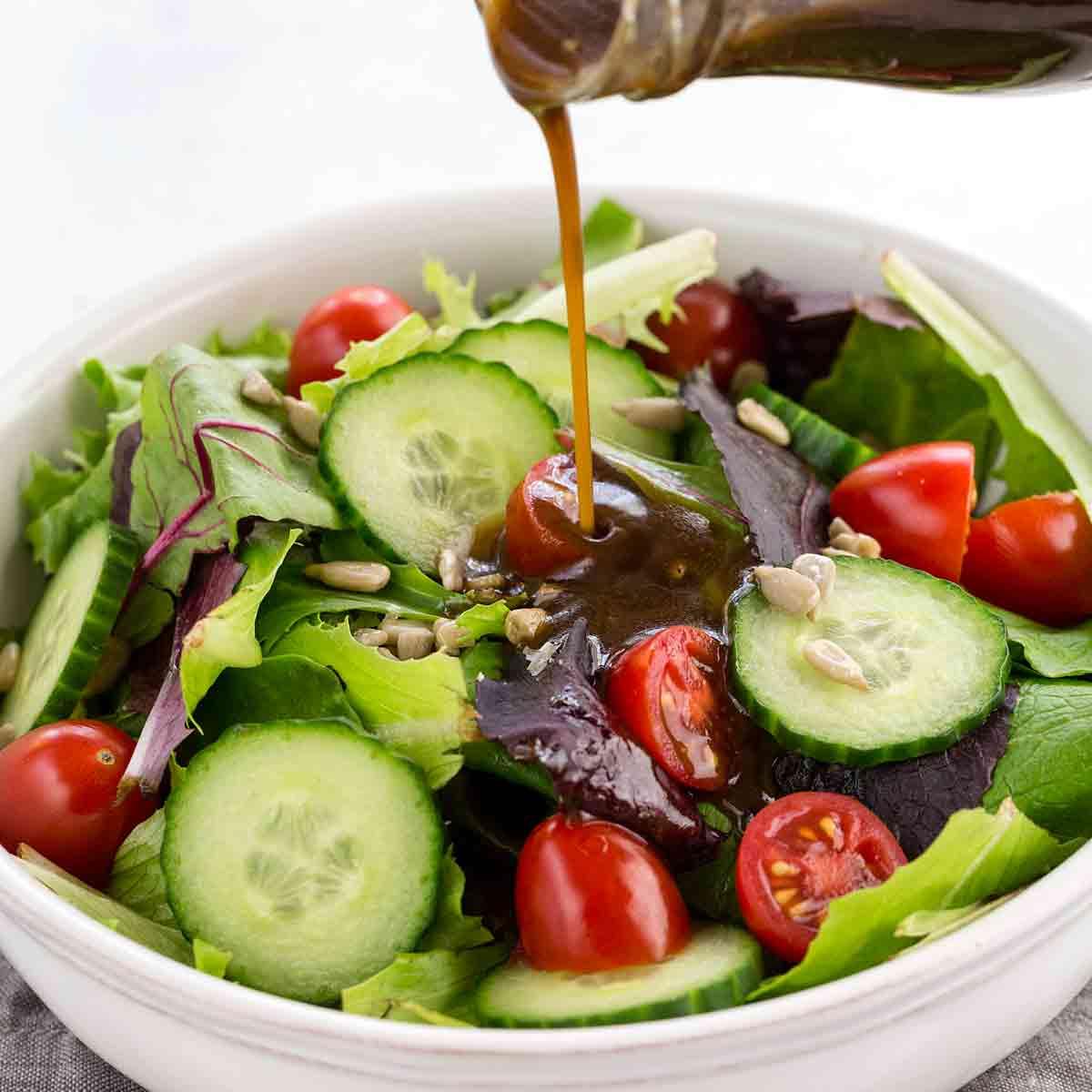 Заправка для салата с оливковым маслом, горчицей и уксусом рецепт с фото - 1000.menu