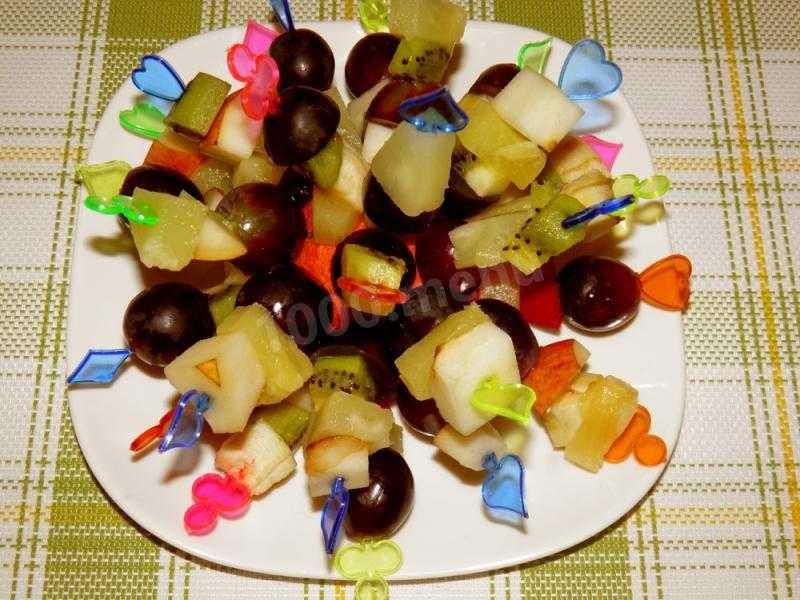 Канапе ананасы персики киви клюква рецепт с фото - 1000.menu
