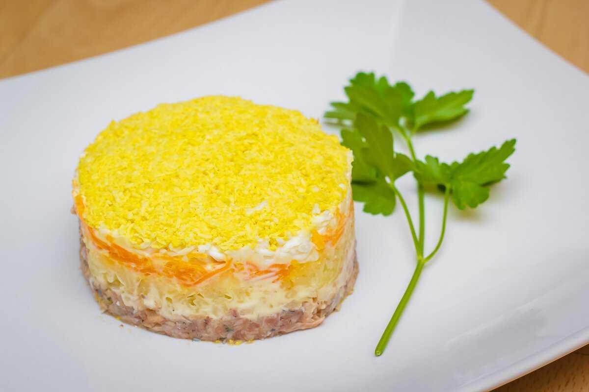 Салат мимоза с рыбными консервами —13 классических рецептов