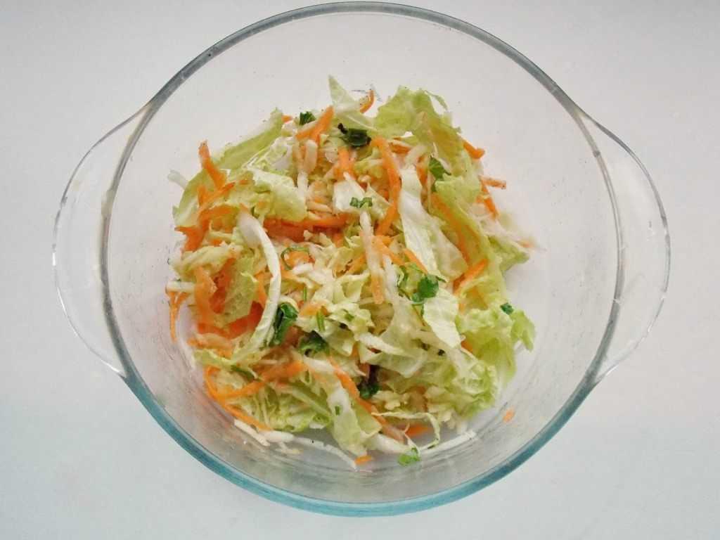 Салат с пекинской капустой и помидорами – легкое блюдо: рецепт с фото и видео