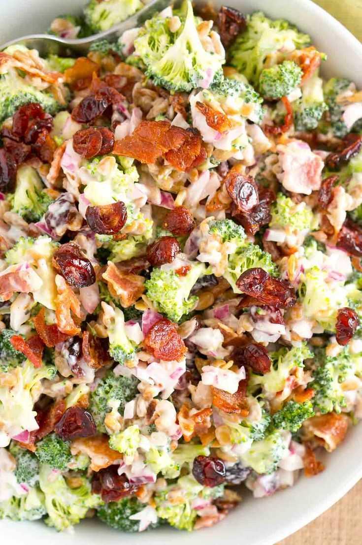 Салат с ромэном, беконом и яйцами рецепт с фото пошагово - 1000.menu
