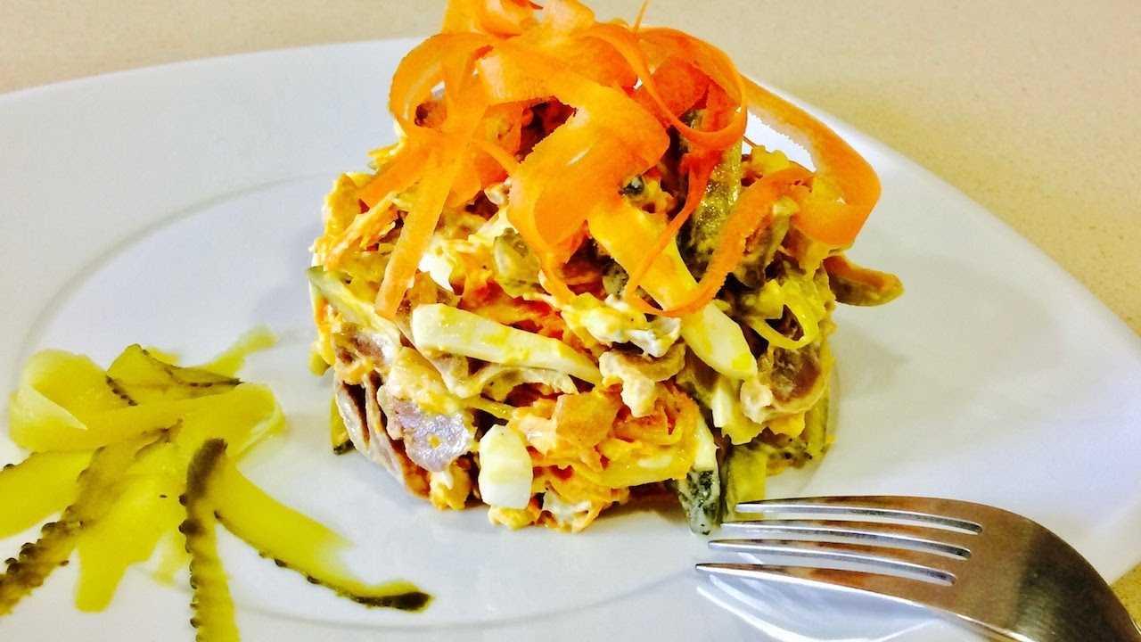 """Салат с курицей и черносливом """"купеческий"""" - рецепт с фотографиями - patee. рецепты"""