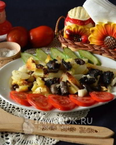 Подосиновики и подберезовики жареные с луком на сковороде, рецепт с фото