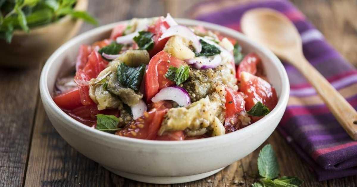 Салатики с адыгейским сыром и помидорами – вкусная и полезная красота
