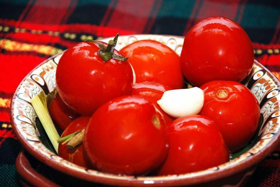 Просто объедение: малосольные помидоры — готовим без особых усилий