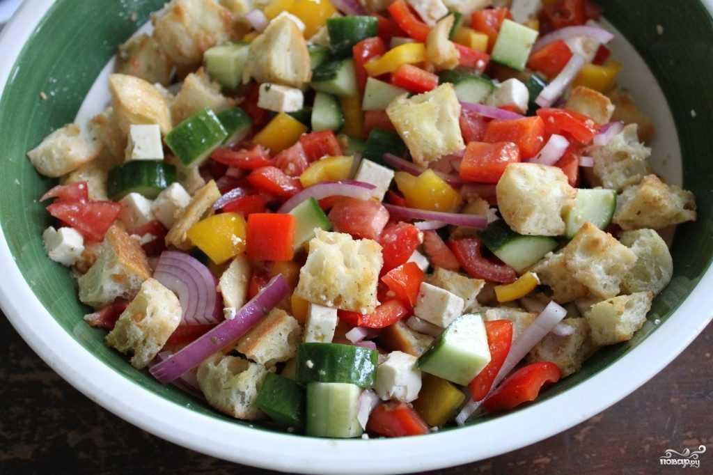 Хлебный праздничный салат «панцанелла» без мяса. салат бедняков – визитная карточка тоскании!