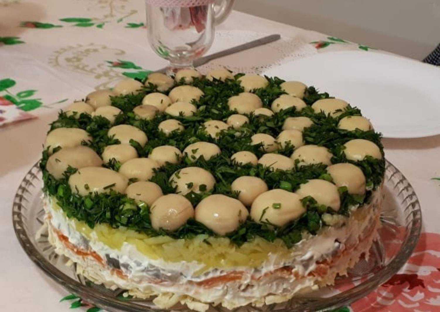 Новогодний салат с грибами лесная поляна рецепт с фото - 1000.menu