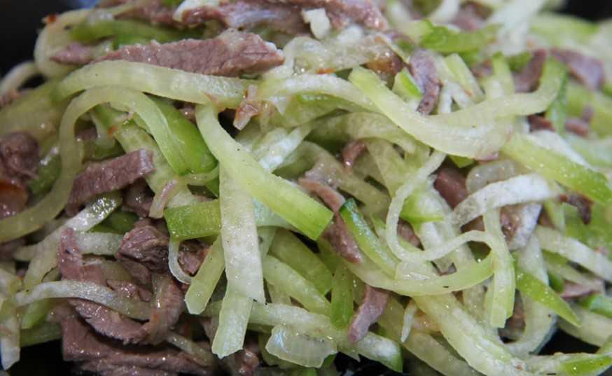 Острый салат «ташкент» с редькой и мясом